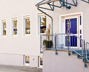»de Clerk – Fahrschule«, Filiale Heroldsbach (im Rathaus)