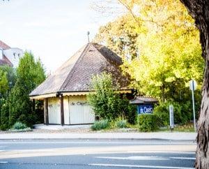 »de Clerk – Fahrschule«, Hauptstelle Forchheim Pavillon